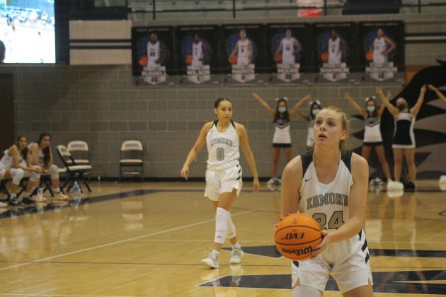 Laci Steele (24) prepares to shoot a free throw